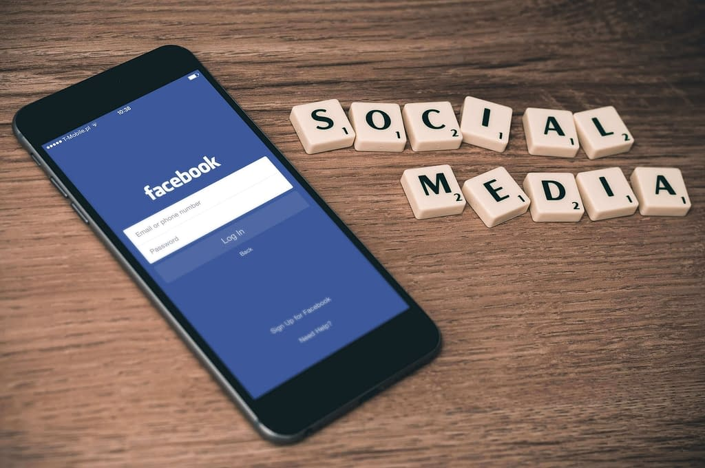 You Need Social Media Links on Your Site